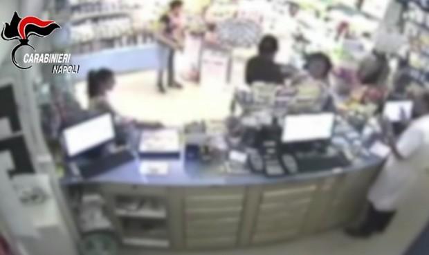 Giugliano, sgominata banda di baby rapinatori: si vantavano su Fb