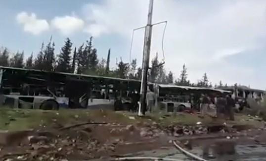Siria, autobomba fa strage ad Aleppo: decine di morti tra i profughi in fuga