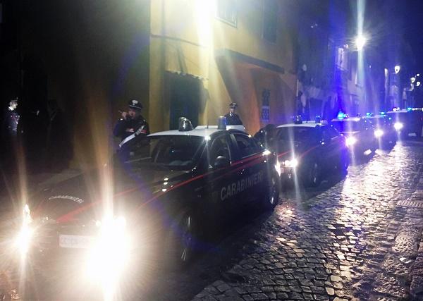 Vesuviano, rapina ad immigrato fa scoprire giro di droga: dieci arresti