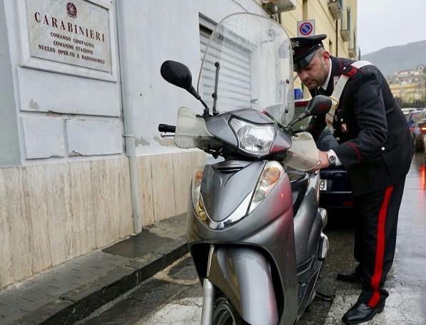 Furti di scooter in Costiera Sorrentina, due arresti