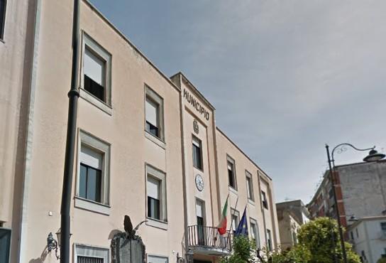 Casoria, incarichi da 20.000 euro mensili al Comune: scatta l'indagine contabile