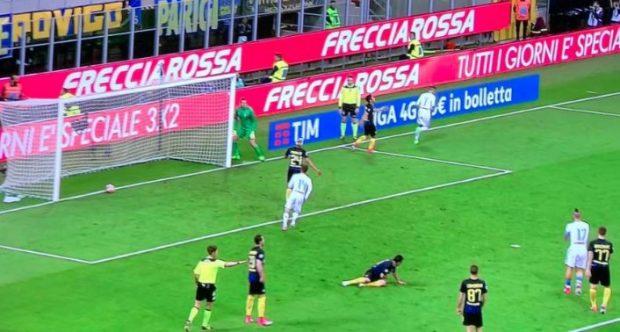 Inter-Napoli 0-1 al 45′: harakiri Nagatomo, Callejon implacabile