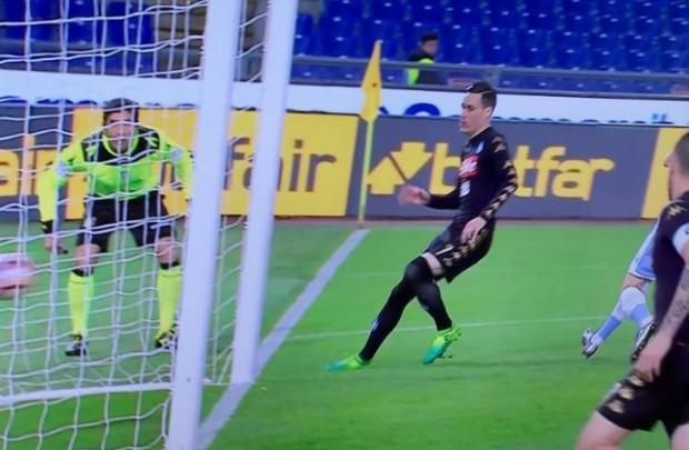 Lazio-Napoli 0-1 al 45′: sblocca Callejon, azzurri autoritari