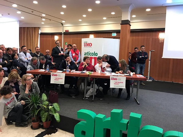 """A Napoli il via a Mdp, bordate contro Renzi e il Pd: """"Ma non chiamateci scissionisti"""""""