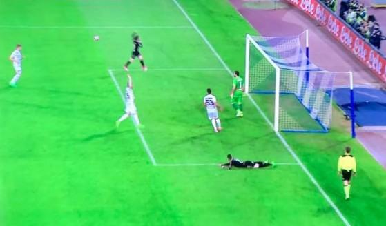 Napoli-Udinese 0-0 al 45′: gli azzurri premono ma non sfondano