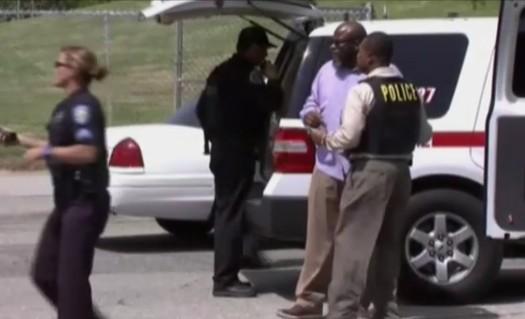 California, spari in una elementare: uomo uccide maestra e si suicida