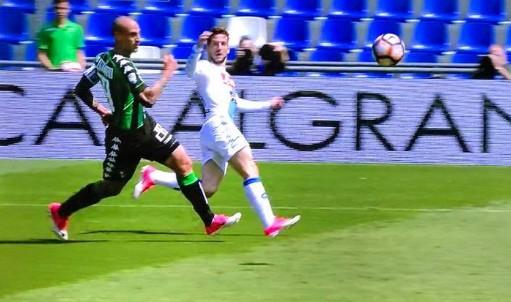 Sassuolo-Napoli 0-0 al 45′: reclamato un rigore su Mertens
