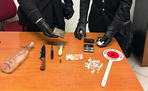 Arzano, arrestato spacciatore 34enne