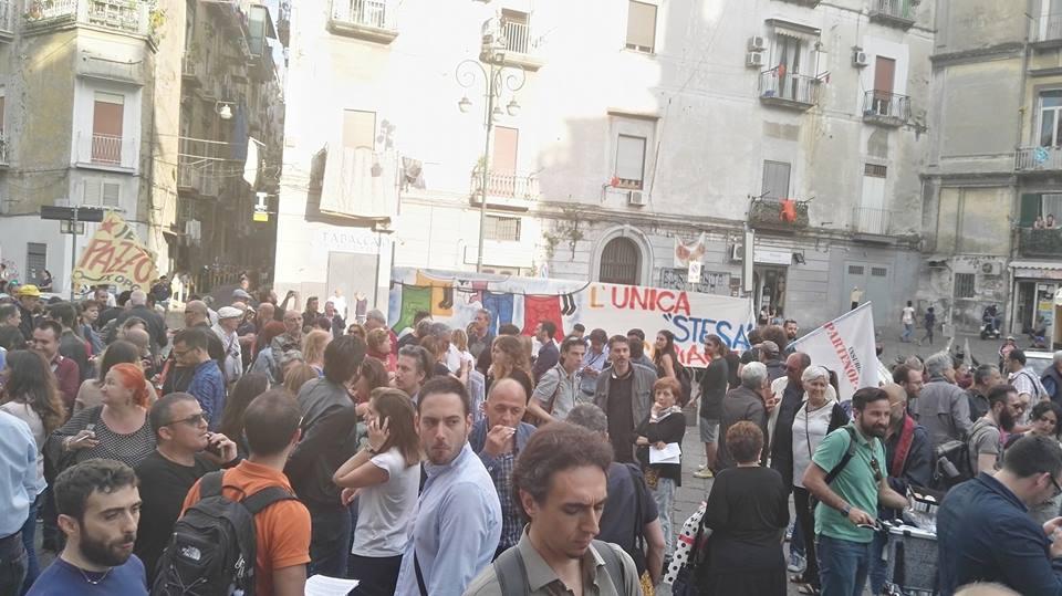 Napoli, in centinaia sfilano al rione Sanità contro la camorra