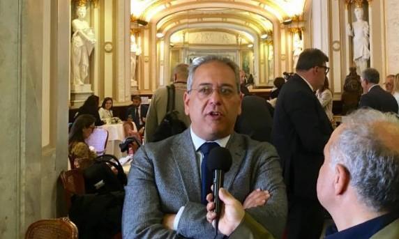 """Napoli, Lebro lascia la maggioranza di de Magistris: """"Giunta di estrema sinistra, cattolici emarginati"""""""