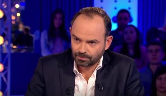 Il beniamino dei renziani Macron sceglie un premier di destra: nominato Philippe