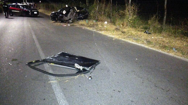 Boscotrecase, scontro tra auto: muore 20enne, grave 19enne