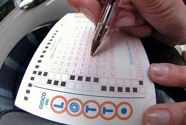 Lotto, a Napoli vinti 120.000 euro con un euro: la giocata a Chiaiano