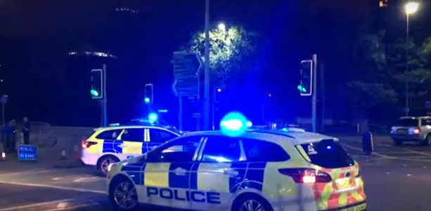 Esplosione a Manchester, decine di morti e feriti: si indaga per terrorismo