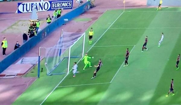 Napoli-Cagliari 1-0 al 45′: sblocca il gol lampo di Mertens