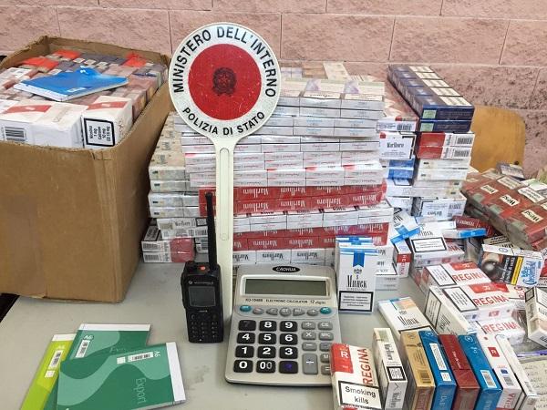 Napoli, scoperta base del contrabbando di sigarette: preso il custode