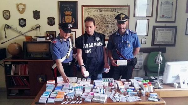 Farmaci salvavita, traffico illecito nel Napoletano: 5 arresti