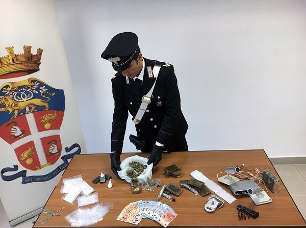 Napoli, operazione anti droga al Rione Traiano: smantellati gli scantinati bunker