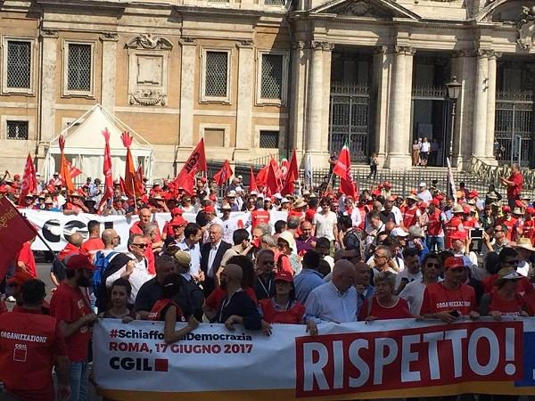 Debito ingiusto: Cgil, Cisl e Uil chiedono una legge speciale per Napoli