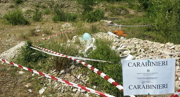 Calitri, sequestrata area adibita a discarica