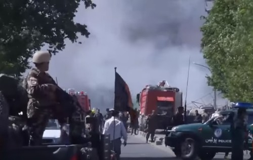 Kabul, attentato durante funerale: almeno 18 morti, illeso il premier