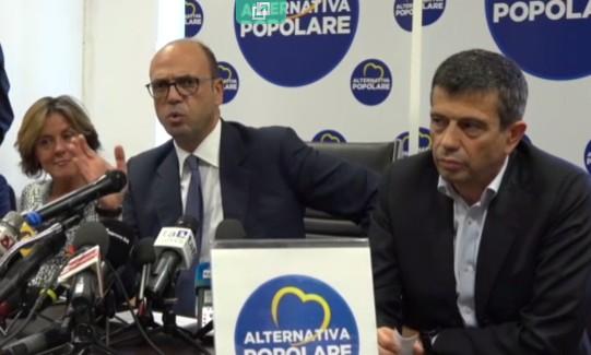 """Alfano scaricato annuncia l'addio al Pd ma non al governo: """"Renzi pressa per farlo cadere? Non smentisco"""""""