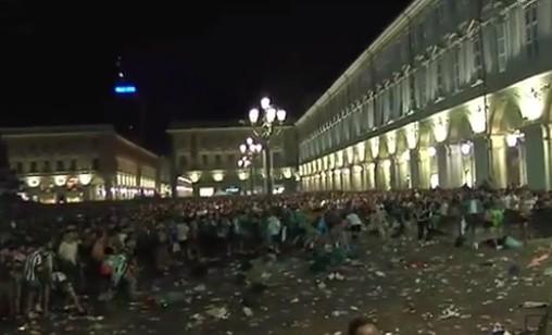 Falso allarme bomba durante Juve-Real, il panico causa oltre 100 feriti in piazza a Torino