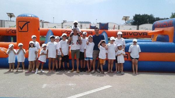 PalExtra, nell'ex area Nato il villaggio sportivo per bambini dei quartieri a rischio