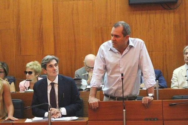 """Bagnoli, de Magistris difende l'intesa col governo: """"Rispettata la volontà popolare"""""""