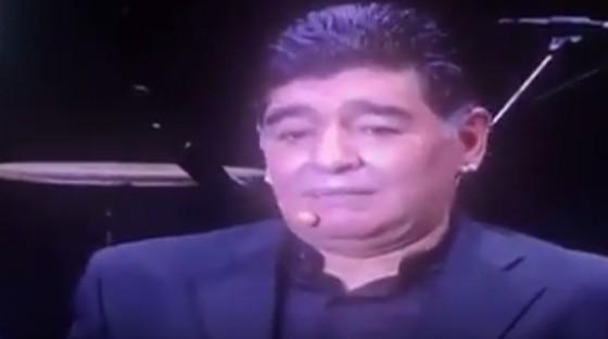 """Maradona napoletano, festa per 10.000 in piazza Plebiscito: """"Nessuno mi ha voluto bene quanto voi"""""""