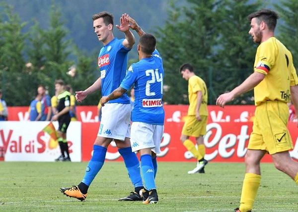 Subito goleada per il Napoli, 17-0 all'Anaunia: Mertens mattatore, Reina out