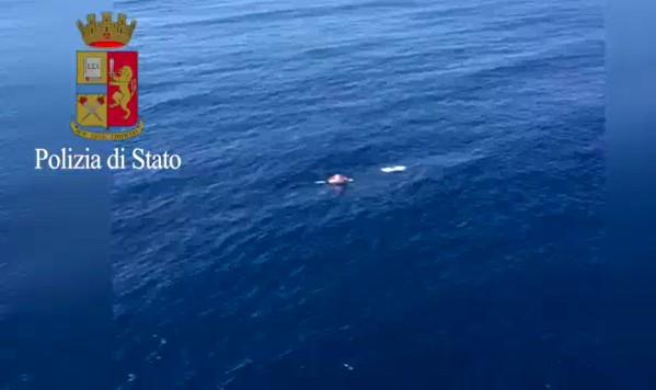 Tre pescatori dispersi nel golfo di Napoli: salvati in due