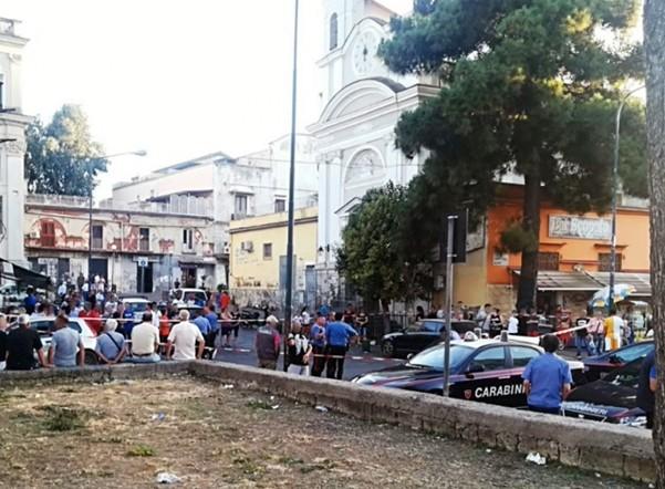Napoli, 15enne ferito a Marianella: convalidati i due fermi, il video dell'agguato