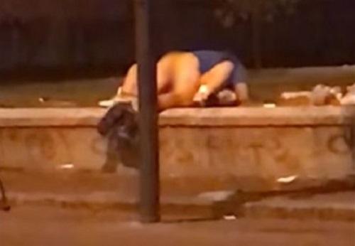 Lui di San Nicola la Strada, lei di Casagiove: sesso fuori alla Reggia, coppia identificata