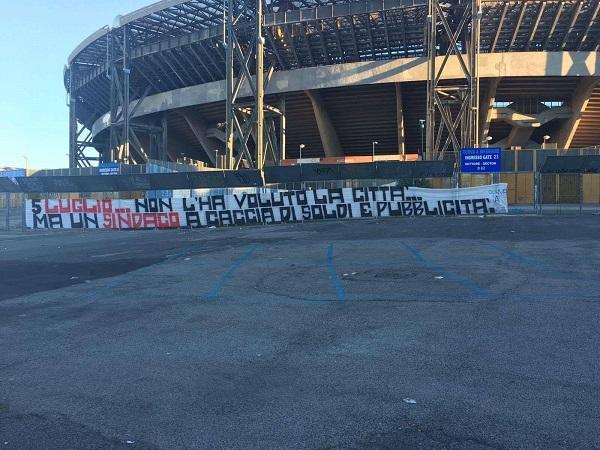 Maradona day, striscione ultrà fuori al San Paolo: contestata l'iniziativa