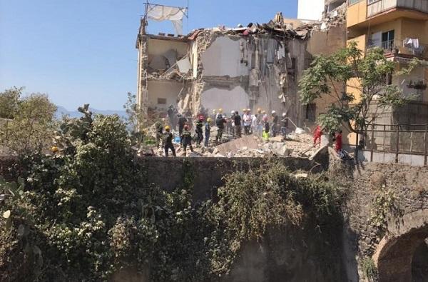 Crollo di Torre Annunziata, prevenzione in primo piano