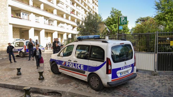 Francia, sparatoria alla stazione di Nimes, Prefettura smentisce