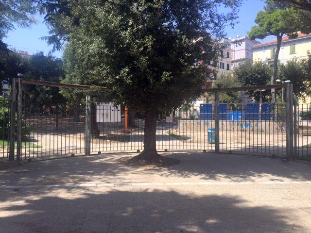 Napoli Vomero, Parco Mascagna  chiuso, i cittadini organizzano proteste