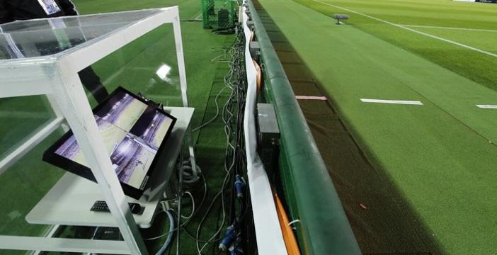 Debutta il 'videoarbitro' e assegna subito un rigore contro la Juve