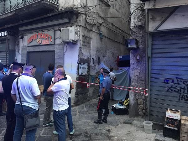 Duplice agguato tra la folla a Napoli, due morti al Borgo Sant'Antonio