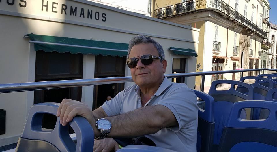 Napoli, D'Angelo candidato sindaco presenta i loghi di due liste