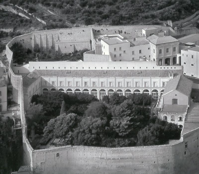 """Napoli, indagato il rettore dell'Università Suor Orsola Benincasa: """"Favorì il figlio dell'ex ministro"""""""