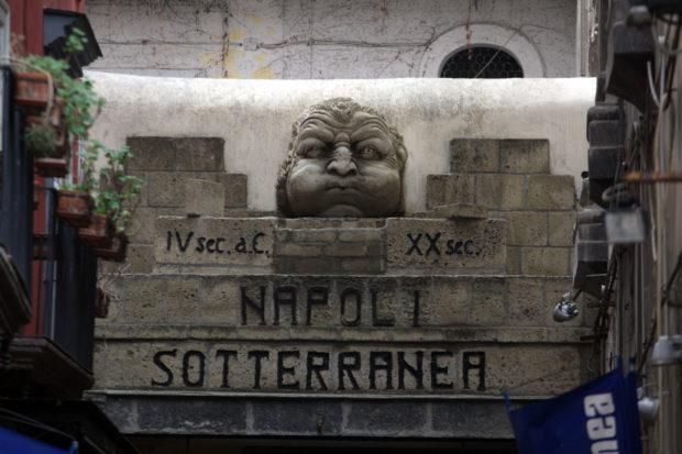 """Napoli Sotterranea, tanti giovani senza contratto. Albertini: """"Falso"""""""