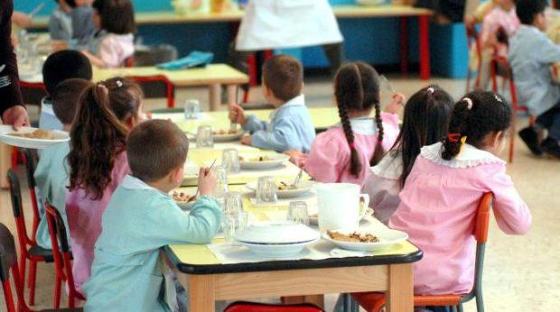 Napoli, salta fuori l'ingiusta tassa comunale sulle mense scolastiche