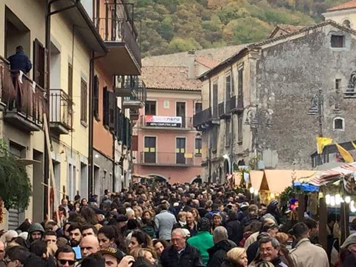 Montella, si festeggia la migliore castagna d'Italia
