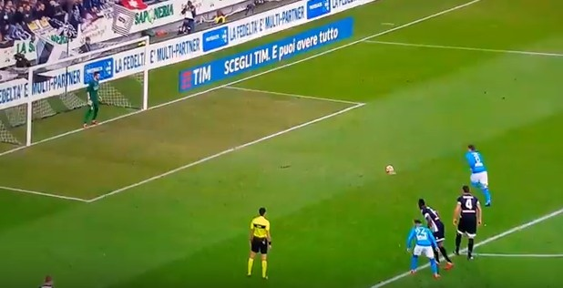 Jorginho riporta il Napoli in vetta, Udinese ko
