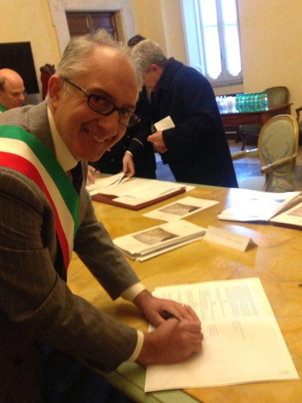 """Coronavirus, Caserta: bimbo scrive al sindaco Carlo Marino: """"fai scomparire contagio"""""""