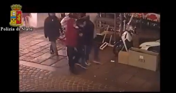 Brutale aggressione ad Arturo, fermato 15enne della baby gang