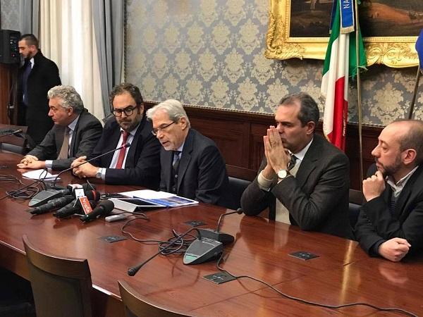 """Bagnoli, il governo riconosce: """"Chi inquina paga"""". Via la colmata, andrà nel porto di Napoli"""