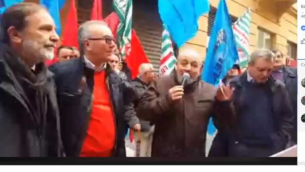 Napoli, il presidio di lotta di 500 edili campani per il lavoro vero e le opere utili